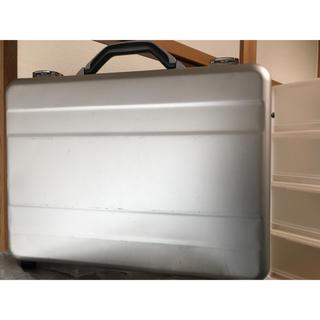 エレコム(ELECOM)のエレコムのアルミPCアタッシュケース(ビジネスバッグ)