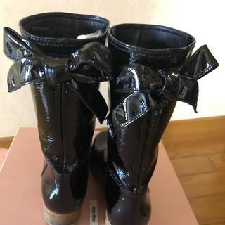 ミュウミュウ(miumiu)のmiumiuのブーツ(ブーツ)