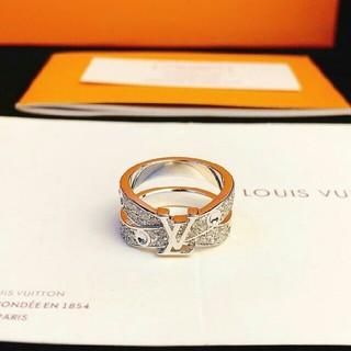 ルイヴィトン(LOUIS VUITTON)の美品Louis Vuittonルイ?ヴィト リング 指輪 7号 シルバー(リング(指輪))