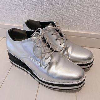 インデックス(INDEX)のINDEX シルバー シューズ(ローファー/革靴)