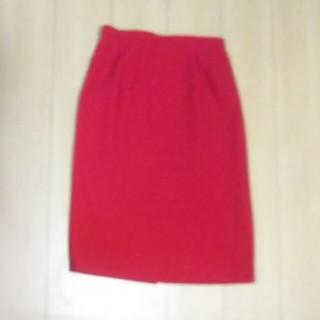 レリアン(leilian)のLeilian 赤 スカート(ひざ丈スカート)