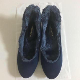 アベイル(Avail)のファーパンプス ファーラウンド靴 紺色(ハイヒール/パンプス)