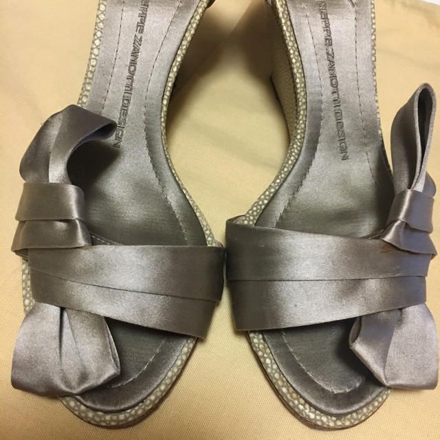 Giuseppe Zanotti Design(ジュゼッペザノッティデザイン)のジュゼッペザノッティ パンプス レディースの靴/シューズ(ハイヒール/パンプス)の商品写真