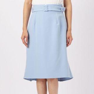 ミューズ(Mew's)の【新品タグ付き】ミューズ 後ろ姿が可愛いタイトスカート ブルー(ひざ丈スカート)