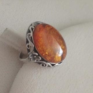 琥珀の大ぶりのリング(リング(指輪))