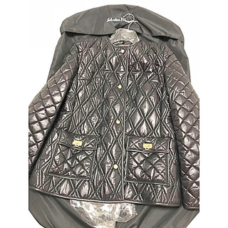 フェラガモ(Ferragamo)の未使用フェガラもジャケット(ノーカラージャケット)