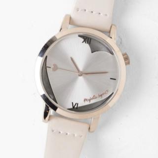 マジェスティックレゴン(MAJESTIC LEGON)のアイボリー ハートモチーフ 腕時計(腕時計)