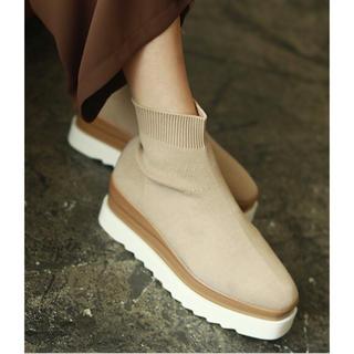 トゥデイフル(TODAYFUL)のAMAIL ★ jagged fitsox boots ベージュ M 正規品(ブーツ)