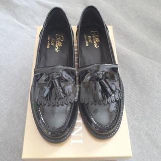 ドゥーズィエムクラス(DEUXIEME CLASSE)の未使用ベリーニエナメルタッセルローファー36サイズ(ローファー/革靴)