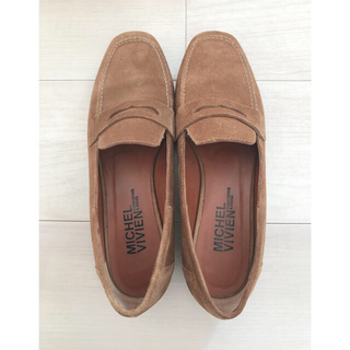 ドゥーズィエムクラス(DEUXIEME CLASSE)の美品ドゥーズィエムクラス購入★MICHEL VIVIEN スウェードローファー(ローファー/革靴)
