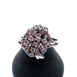 キラキラしたストーンが綺麗なリング(リング(指輪))