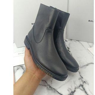 バレンシアガ(Balenciaga)の大人気Balenciaga ブーツ(ブーツ)