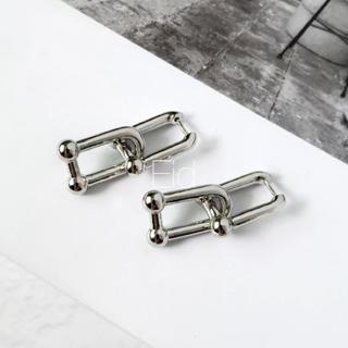 アリシアスタン(ALEXIA STAM)のSquare chain silver pierce No.191(ピアス)