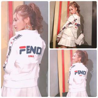 フェンディ(FENDI)のFENDI フェンディ fendi maniaジッパー付きスウェットシャツ(トレーナー/スウェット)