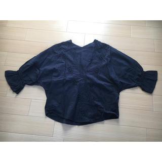 ジーユー(GU)のGU 刺しゅうブラウス(シャツ/ブラウス(半袖/袖なし))