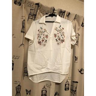 Ciaopanic - チャオパニック  花刺繍入り半袖 シャツ