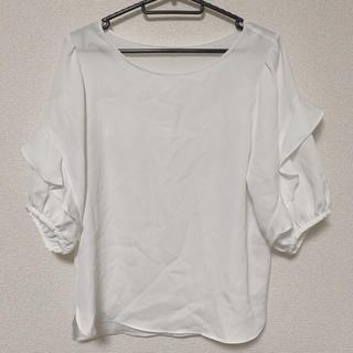 ジーユー(GU)のGU フリルブラウス(シャツ/ブラウス(半袖/袖なし))