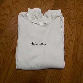 ハニーズ(HONEYS)のロゴトップス(Tシャツ(長袖/七分))