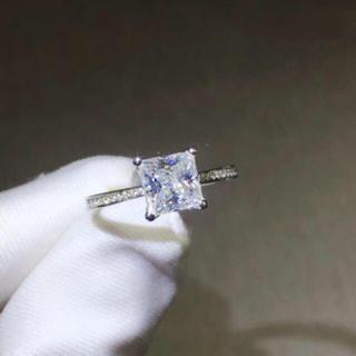 【1カラット】輝く プリンセスカット モアサナイト ダイヤモンド リング(リング(指輪))