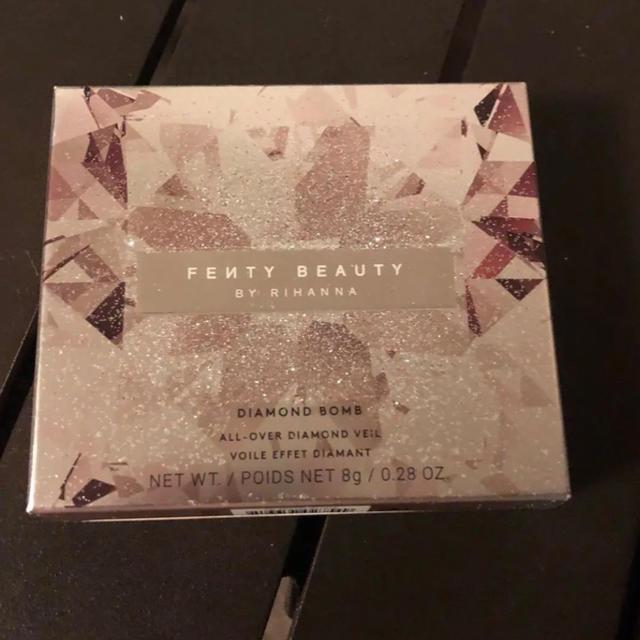 Sephora(セフォラ)のFenty Beauty ハイライター ダイアモンド ボム 新品未使用 コスメ/美容のベースメイク/化粧品(フェイスカラー)の商品写真