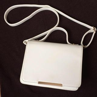 ムルーア(MURUA)のムルーア  ショルダーストラップ付き 2way ハンドバッグ ホワイト 合成皮革(ショルダーバッグ)