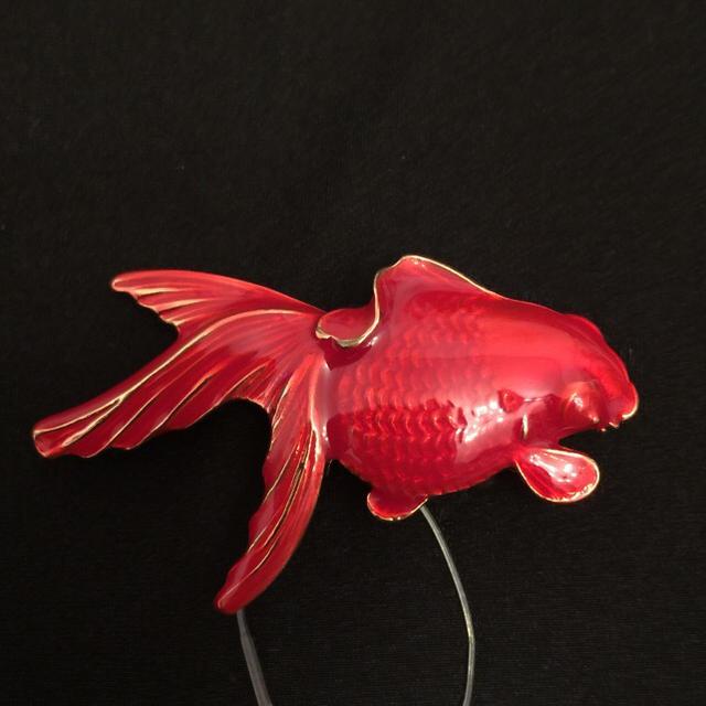 ふりふ(フリフ)の❤️ふりふ❤️帯留め❤️金魚ジュエリー❤️ レディースの水着/浴衣(和装小物)の商品写真