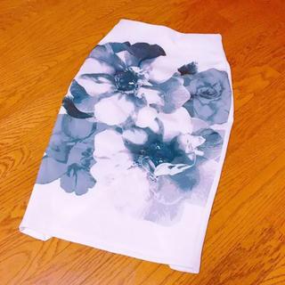 イートミー(EATME)のEATME 花柄タイトスカート(ひざ丈スカート)