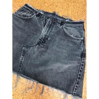 リーバイス(Levi's)のLevi's ブラックデニム ダメージスカート(ミニスカート)