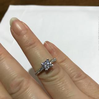 シルバー刻印入りプラチナ仕上げ モアサナイト  ダイヤモンド リング(リング(指輪))