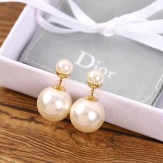 クリスチャンディオール(Christian Dior)のDior        パールピアス(ピアス)