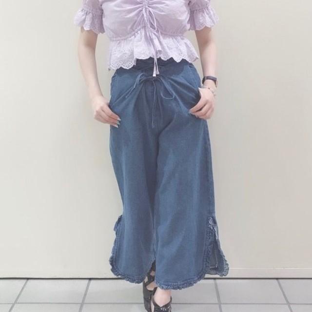 axes femme(アクシーズファム)の新品タグ付き☆アクシーズファム レースアップデニムパンツ レディースのパンツ(デニム/ジーンズ)の商品写真