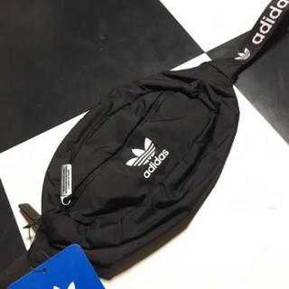 adidasボディーバック
