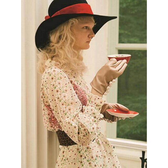 Lily Brown(リリーブラウン)のlilybrown お花刺繍トップス レディースのトップス(シャツ/ブラウス(長袖/七分))の商品写真