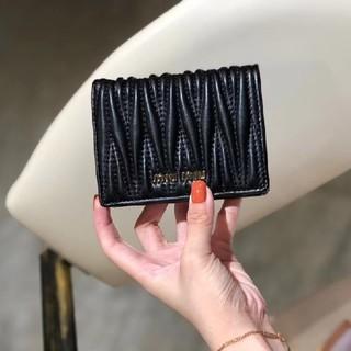 ミュウミュウ(miumiu)のMIUMIU ミュウミュウ 折財布(財布)