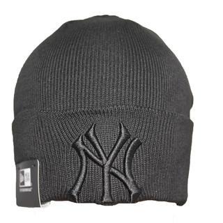 ニューエラー(NEW ERA)のニットキャップ ニット帽子 ニューヨークヤンキースロゴ メンズ レディース兼用 (ニット帽/ビーニー)