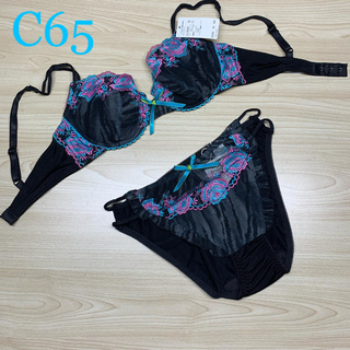 【新作】黒にカラフルな刺繍がオシャレなブラショーツセットC65(ブラ&ショーツセット)