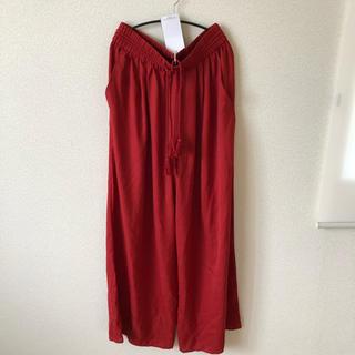 ザラ(ZARA)のZARA 赤パンツ(カジュアルパンツ)