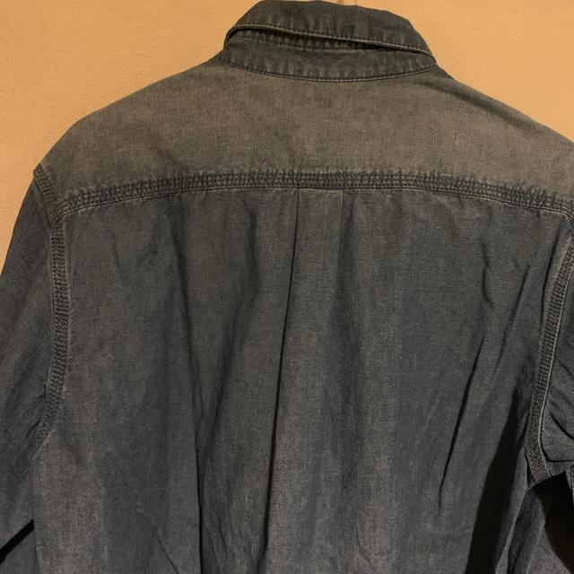 UNIQLO(ユニクロ)のUNIQLO  ムラ染め  デニムシャツ   M メンズのトップス(シャツ)の商品写真