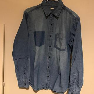 ユニクロ(UNIQLO)のUNIQLO  ムラ染め  デニムシャツ   M(シャツ)