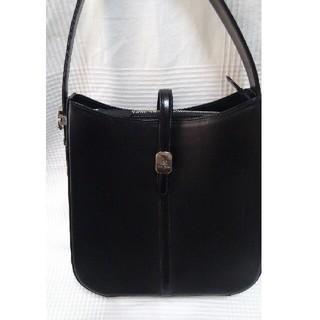 クレージュ(Courreges)の未使用クレージュ 黒革バッグからショルダーバッグに長さ変えれます(ハンドバッグ)
