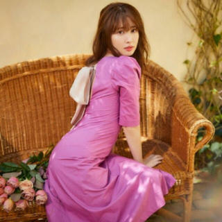 エーケービーフォーティーエイト(AKB48)のBack Ribbon Midi Dress (ひざ丈ワンピース)