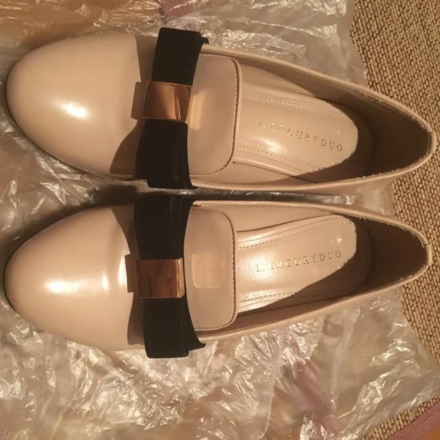 MERCURYDUO(マーキュリーデュオ)のビット付 ローファー パンプス  ピンク リボン ミッシュマッシュ 系 レディースの靴/シューズ(ハイヒール/パンプス)の商品写真