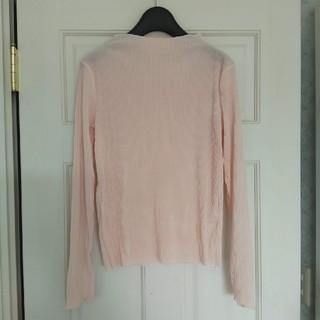 ジーユー(GU)の未使用 ジーユー gu プリーツボトルネックT ピンク Mサイズ(Tシャツ(長袖/七分))