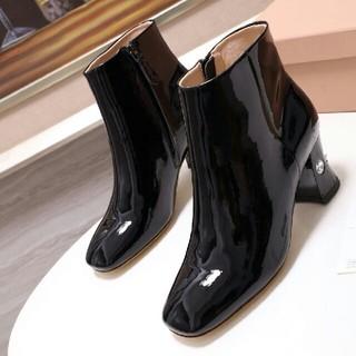 ミュウミュウ(miumiu)のmiumiu ブーツ(ブーツ)