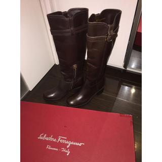 サルヴァトーレフェラガモ(Salvatore Ferragamo)のフェラガモ ロングブーツ サイズ6 雨 冬 茶 長靴 ブラウン 未使用 布袋 箱(ブーツ)