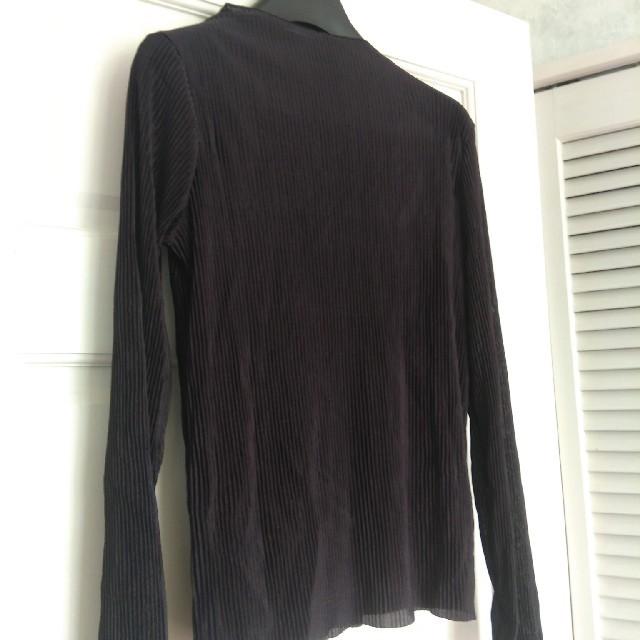 GU(ジーユー)の未使用 ジーユー gu プリーツボトルネックT ブラック Mサイズ レディースのトップス(Tシャツ(長袖/七分))の商品写真