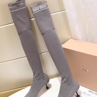 ミュウミュウ(miumiu)のmiumiuロングブーツ(ブーツ)