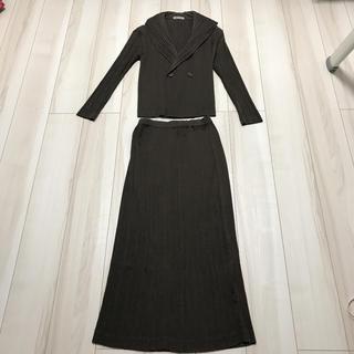 イッセイミヤケ(ISSEY MIYAKE)のISSEI MIYAKE プリーツジャケット&スカート(スーツ)