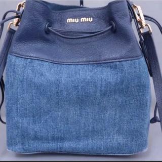 ミュウミュウ(miumiu)のmiumiu ミュウミュウ デニム×レザー 巾着 2wayバッグ(ショルダーバッグ)