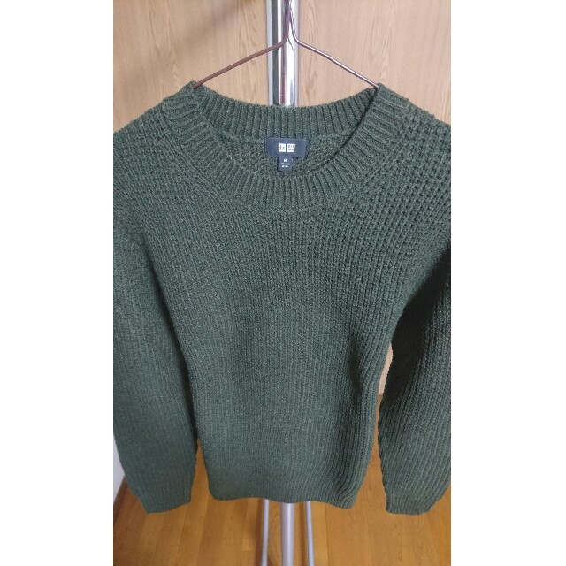 UNIQLO(ユニクロ)のユニクロ ミドルゲージワッフルクルーネックセーター オリーブ Mサイズ メンズのトップス(ニット/セーター)の商品写真